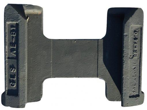 base plate foundation for twistlock transversal