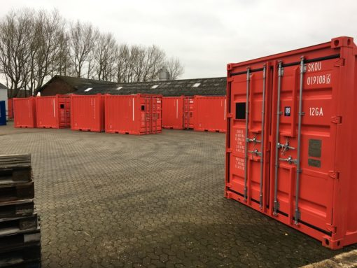10' offshore containers in red
