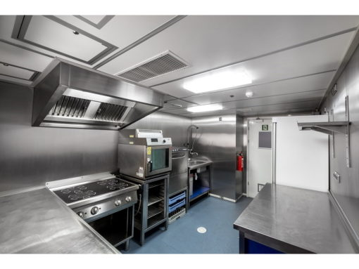 33ft-galley2 1024x768